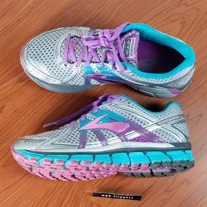Brooks Adrenaline GTS 17 Womens Running Shoe